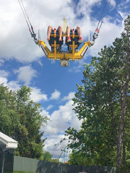The slingshot ride at Wonderland © Allyson Scott