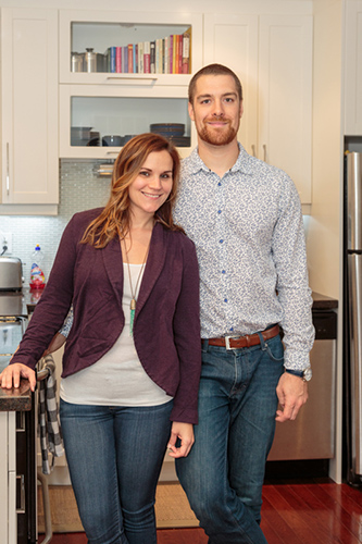 Lisa & Nic in their new kitchen © Allyson Scott